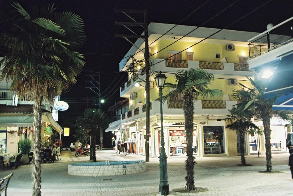 Store & Two Apartments for sale Kallithea