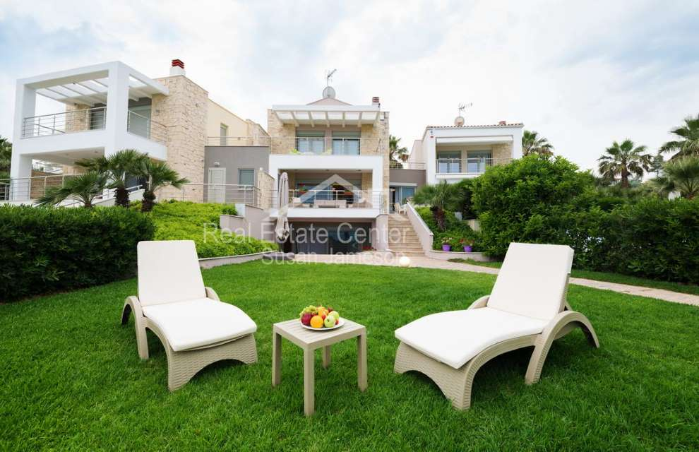 New Beach Front Villa!!
