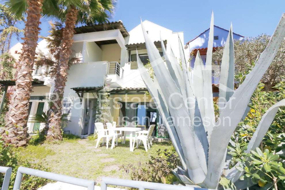 Fantastic Location Beach Front!!