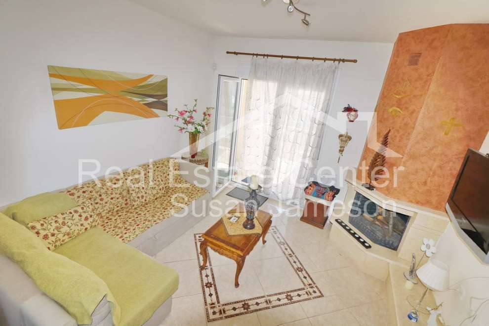 Pristine Apartment Furnished!!