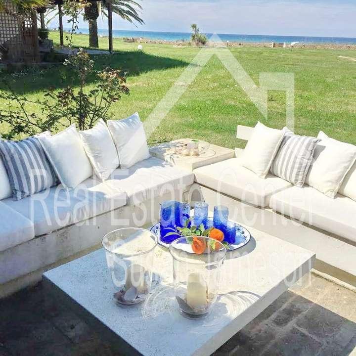 Stylish Home BeachFront