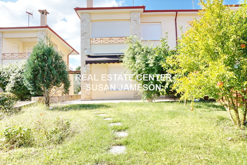 Home In The Country, Private Garden, Private Parking!!