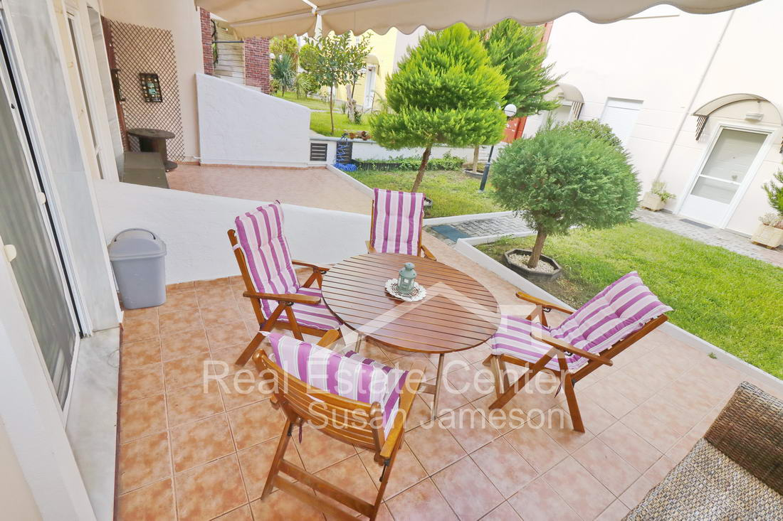 Maisonette, Ideal Outdoor Living (NEGOTIABLE)!!
