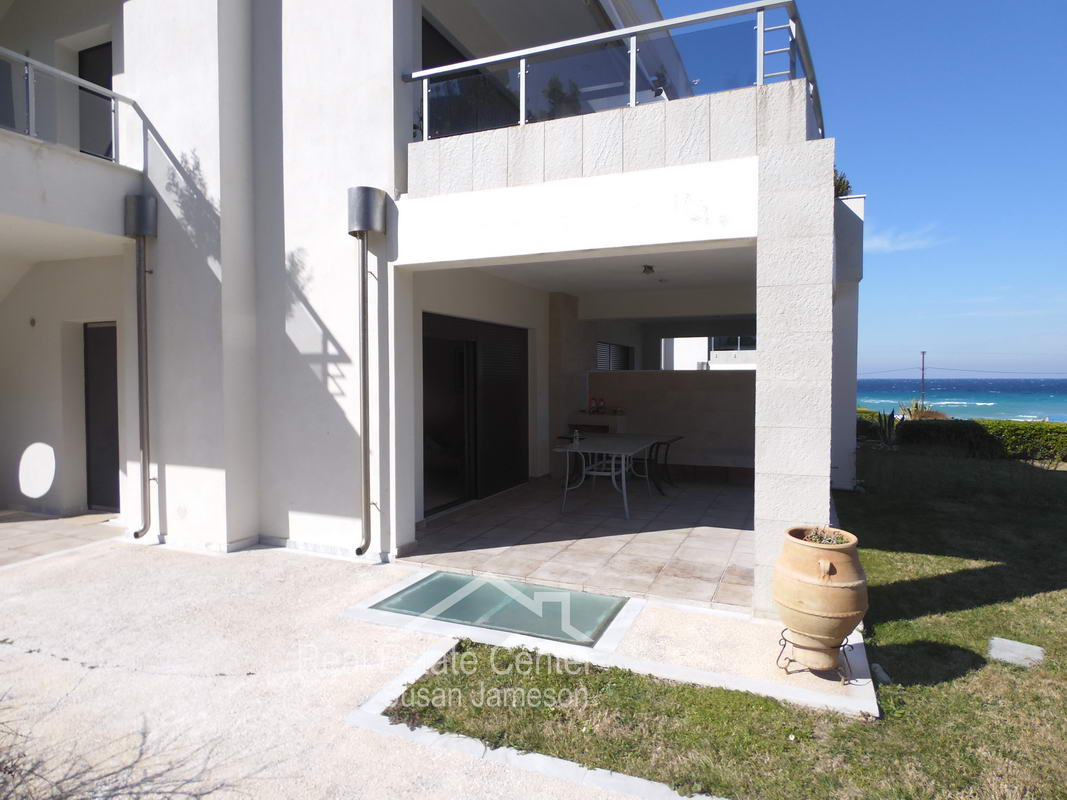 20 Meters From The Beach!!