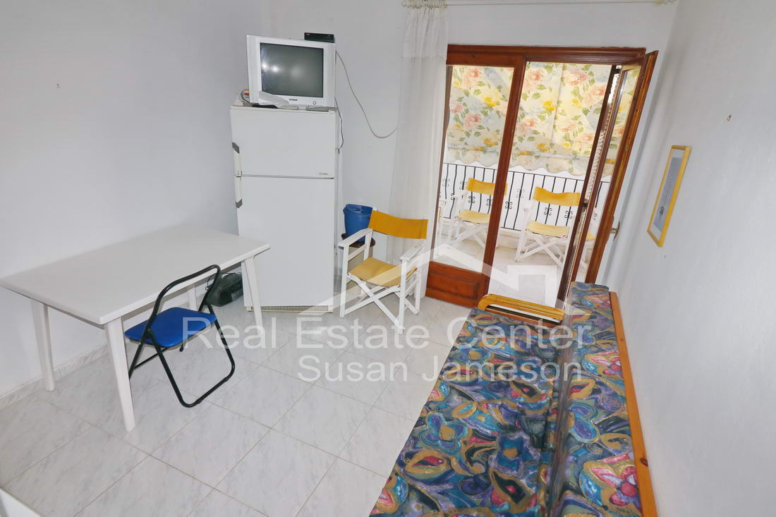 Ideal Apartment Rental Income!!