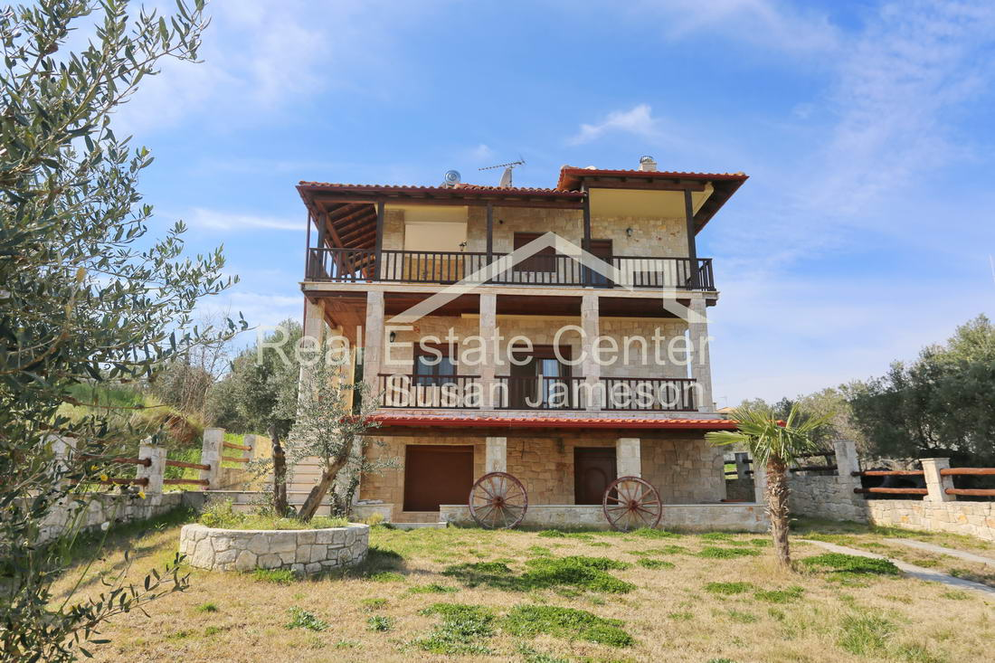 RUSTIC Villa With Guest Apartment, SEA VIEWS!!