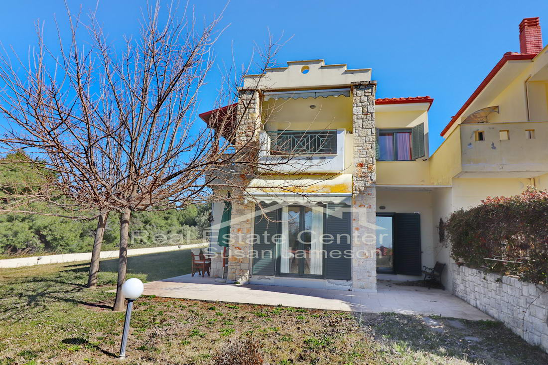 Sea Views, Corner Lot Detached Villa!!