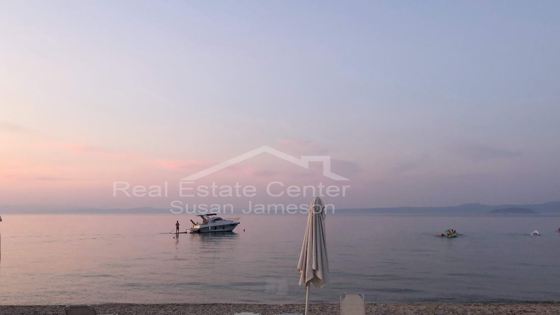 Seaside Living, Beachfront, PrimeLocation, GATED!!