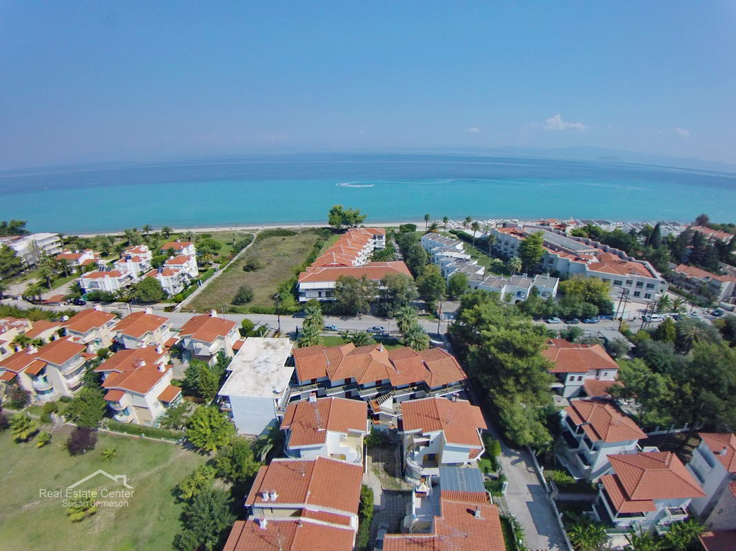 Apartment Building For Sale, Walk To Beach (13 Units)