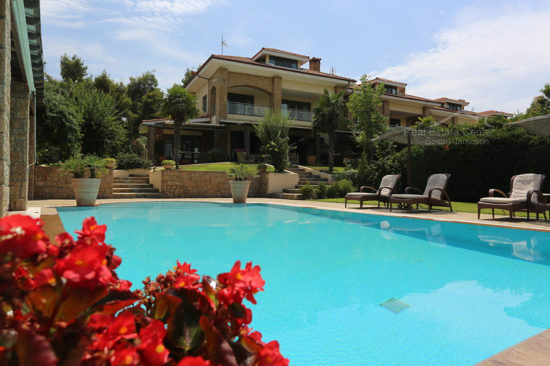 Live The Dream, Villa Sani, Backyard Oasis, Pool!!