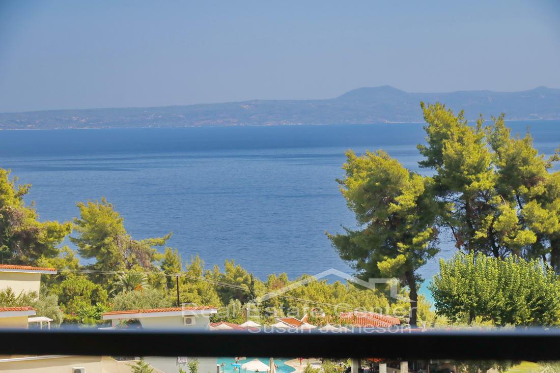 Uninterrupted Sea Views, Apartment!!