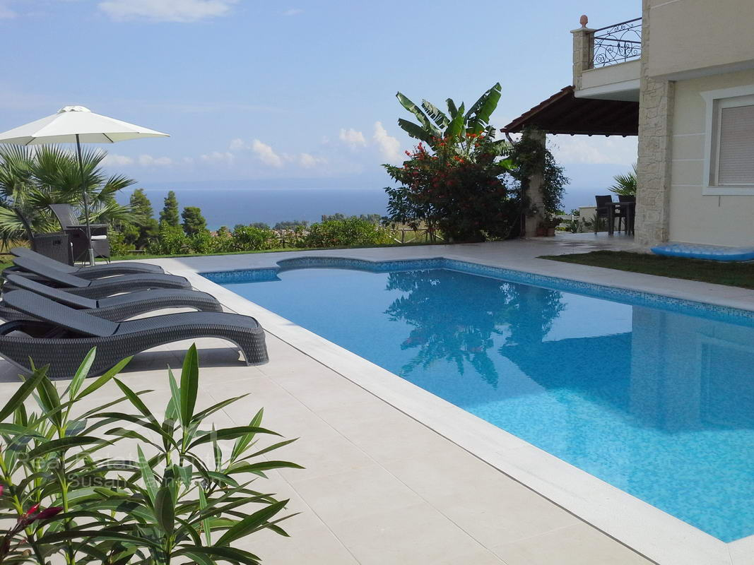 Live Your Dream In This Amazing Home, PRIVATE POOL!!