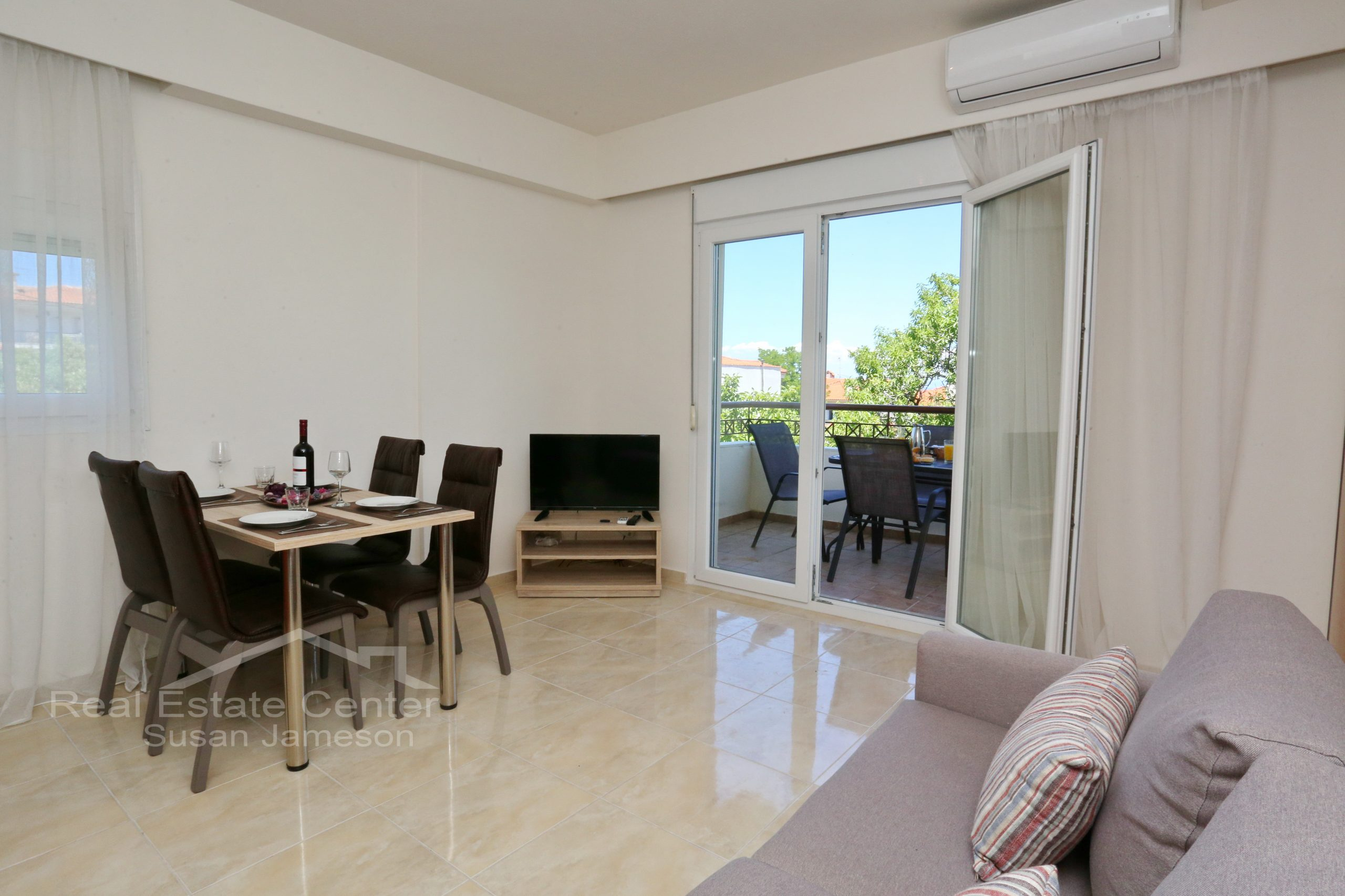SeaViews, Surrounded By Nature, PENTHOUSE!!