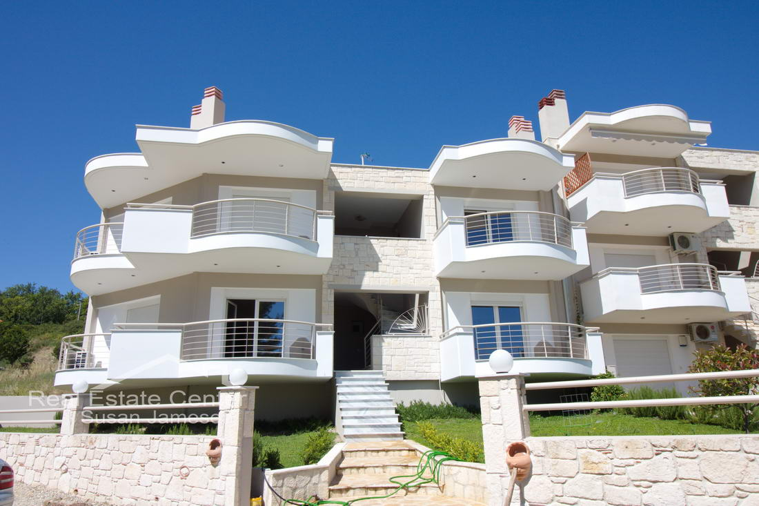 Sea Views, Stunning Penthouse Apartment, Stunning Location!!