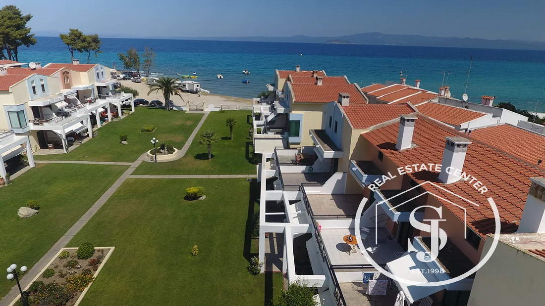 Just Meters From The Sandy BEACH, Private Parking!!
