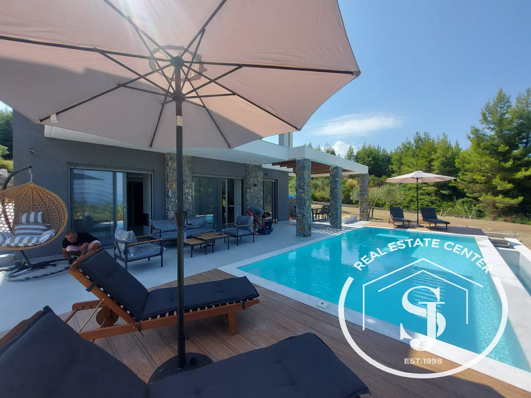 Dream Homes Can Be A Reality!!  With Private Swimming Pool!!