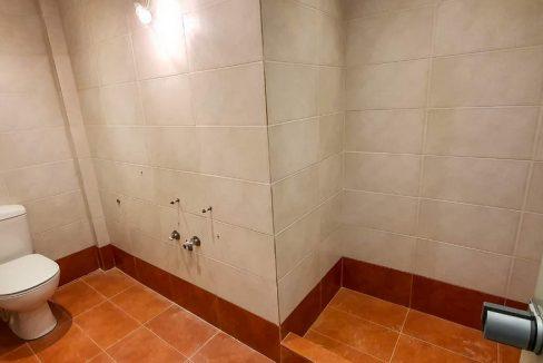 υπογειο wc