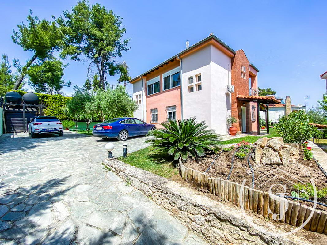 2 Immaculate Homes For Sale, 140m Walk To The Finest BEACHES!!