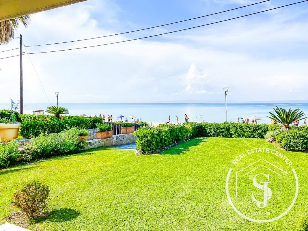 Unique Home Beachfront Living At It's Best!!