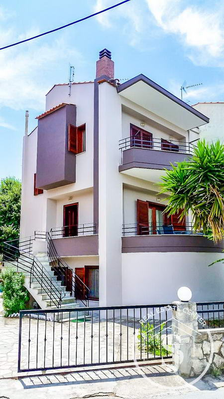 Living Close To The Seaside, Guest Apartment & Maisonette!!