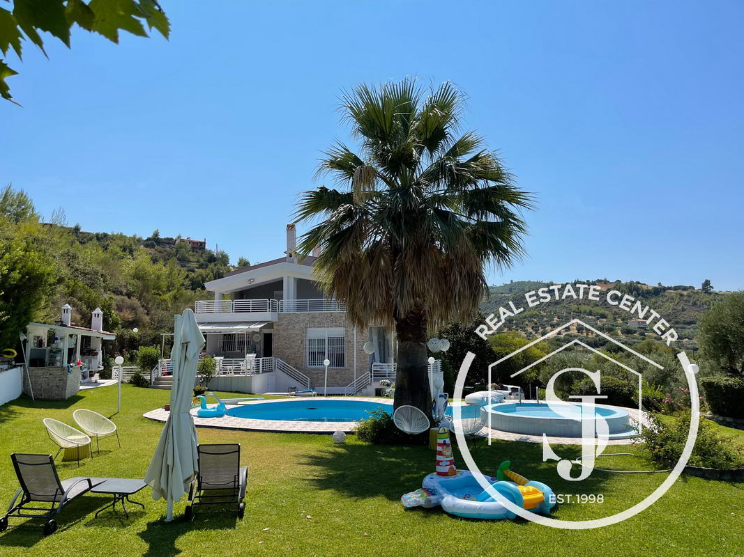 Bright & Spacious Villa, With A Fabulous View To The Seaside!!