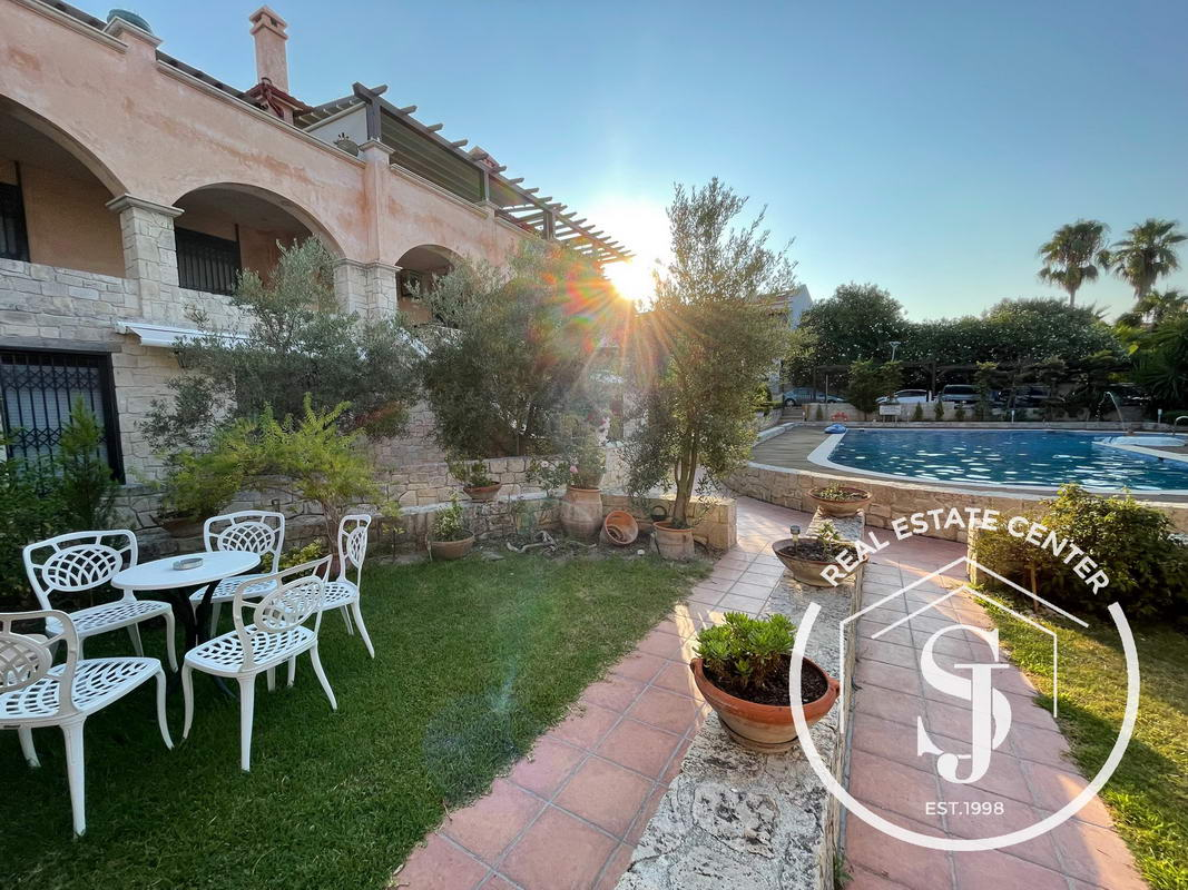 Shared Swimming Pool, 2 Minutes From The Beach!!