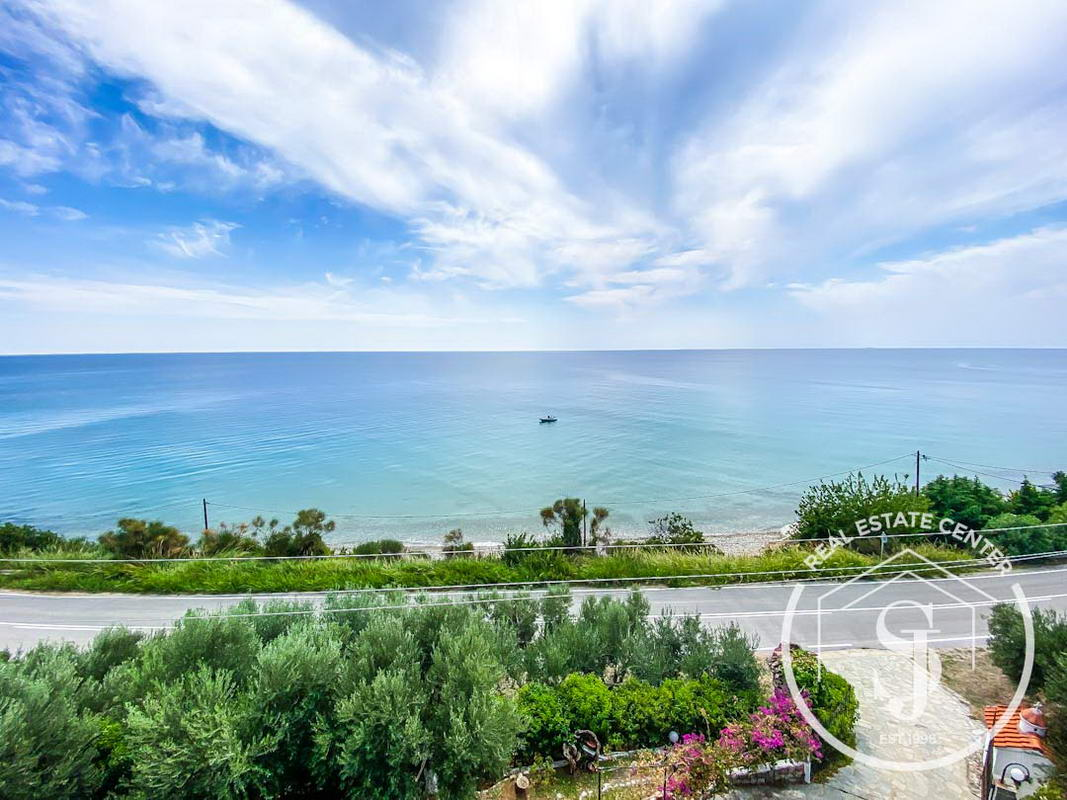 Loutra Prime Location BEACHFRONT, Close To Healing Spa!!