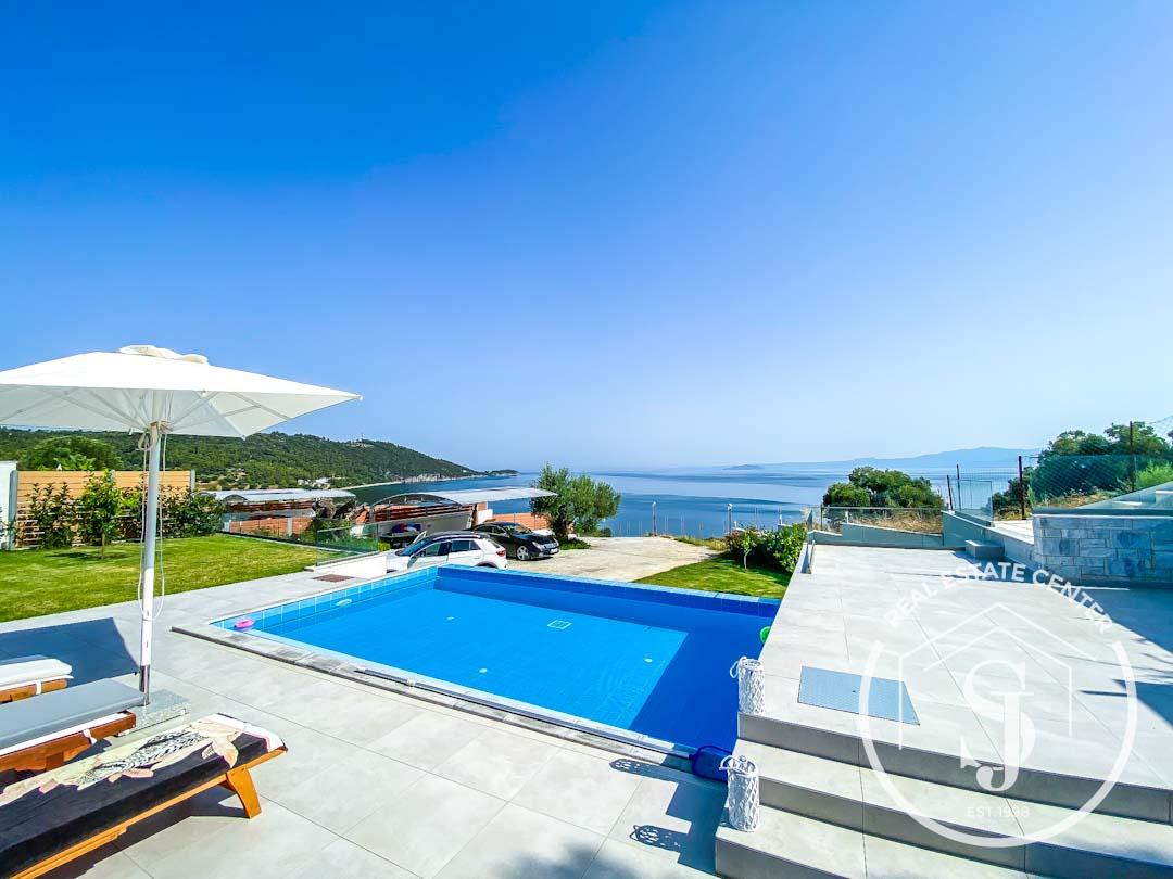 Εξοχική κατοικία με πισίνα και πανοραμική θέα στην θάλασσα