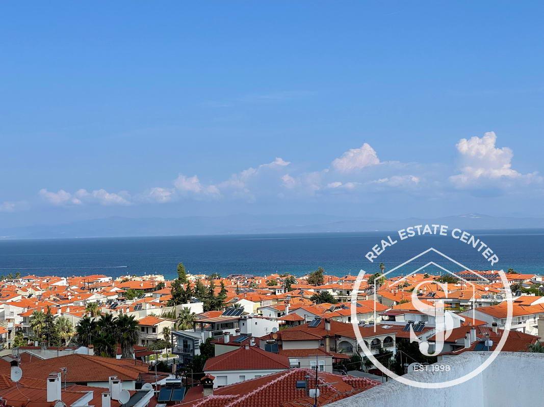 3 Story Home With Panoramic Sea Views!!