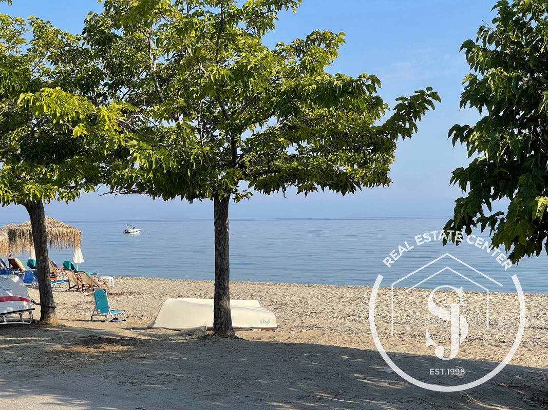 Rental ( 5 ) Apartments For Sale, 80 M From The Beach!!